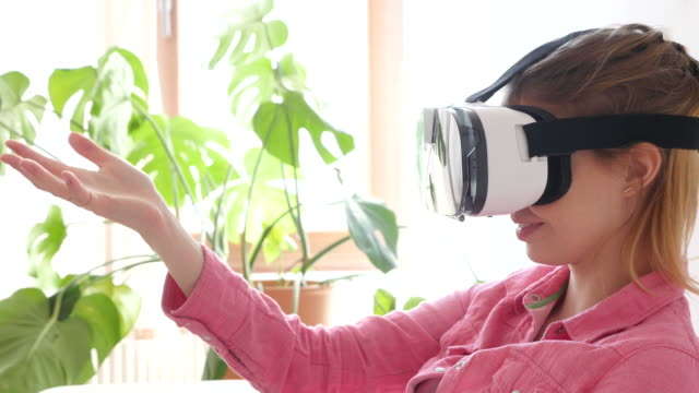 Creative Businesswoman Using VR Glasses In Office.