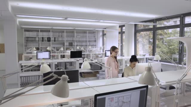 creative, stylish office - 東ヨーロッパ民族点の映像素材/bロール
