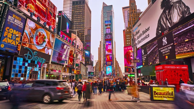creative time square - esposizione lunga video stock e b–roll