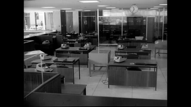 stockvideo's en b-roll-footage met credit bank opens new offices in the city of piura / bank president, enrique ayulo pardo, piura city mayor, orlando balarezo and jose camborda silva... - pardo