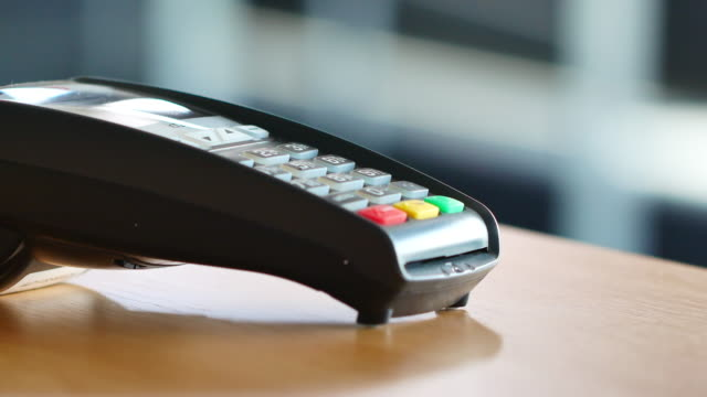4K Credit card payment, buy, sell & shopping products & service