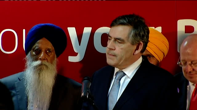 'credit crunch' gordon brown reacts to criticism brown amongst group of sikh men and women gordon brown mp press conference sot every effort of mine... - only young men stock videos & royalty-free footage