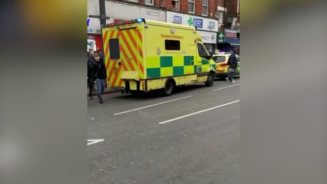 sebastian lenda emergency services on streatham high road london where a man has been shot dead by armed officers the incident has been declared as... - stechen stock-videos und b-roll-filmmaterial
