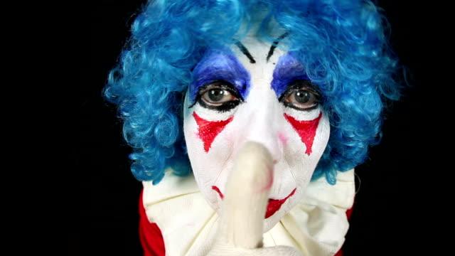 Gruselige Clown sagen: Psst