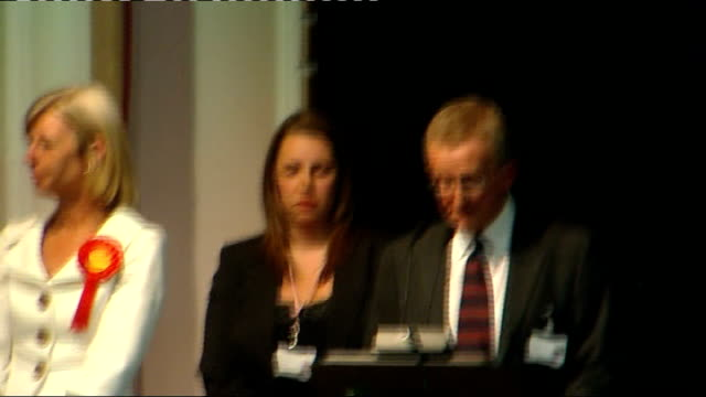 crewe and nantwich by-election: conservative victory; 22.5.08 england: crewe; int returning officer announcing conservatives as winners of the crewe... - ナントウィッチ点の映像素材/bロール