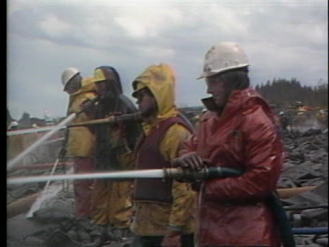 crews clean up the shoreline after the exxon oil spill at prince william sound, alaska. - slimy stock videos & royalty-free footage