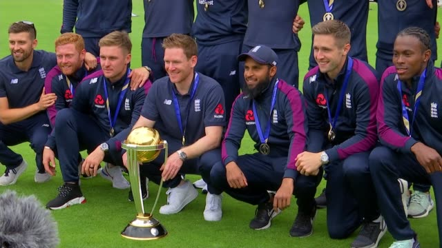 cricket world cup 2019: england beat new zealand: to win world cup for the first time; england: london: lambeth: the oval: ext england team posing... - 2019 stock videos & royalty-free footage