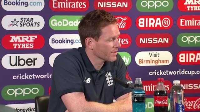 cricket world cup 2019: england v australia semi-final build up; edgbaston, birmingham, uk; various shots of england cricket players playing with... - squadra di cricket video stock e b–roll