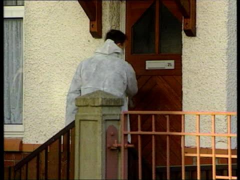 vidéos et rushes de christine askey murder son could be witness c5l u lib england lancashire preston forensics officer from house - lancashire