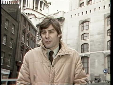 "stockvideo's en b-roll-footage met hambleton spy case; england, london tim ewart sof ""the spy trial jury - in open court"" + sign off - spion"