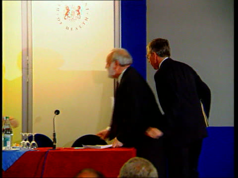 psychopaths containment proposals unveiled england london jack straw mp frank dobson mp into room along to stage for press conference jack straw mp... - psychopathy stock videos and b-roll footage
