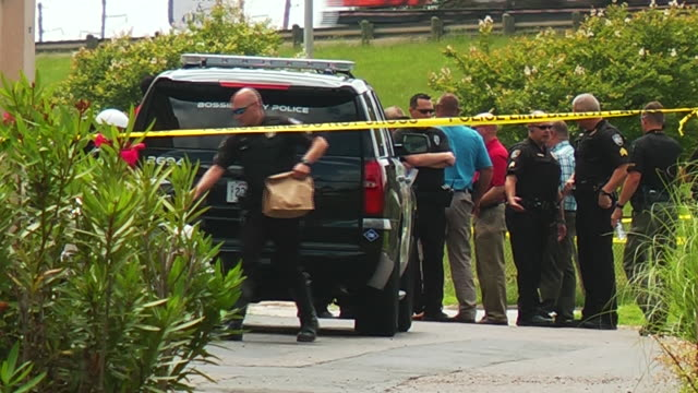 crime scene exteriors at days inn hotel in bossier louisiana where a missing texas girl was found on may 26th 2015 an fbi agent was shot and the... - 誘拐事件点の映像素材/bロール