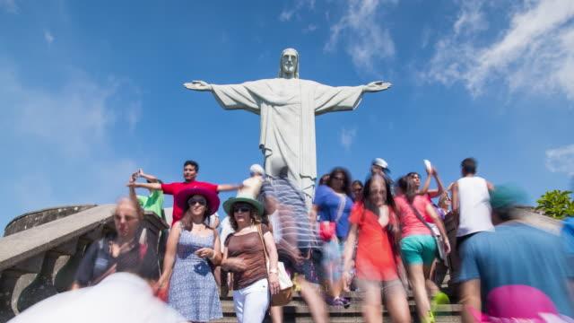 vidéos et rushes de cristo redentor (christ redeemer) statue on corcovado mountain in rio de janeiro, brazil, south america - corcovado