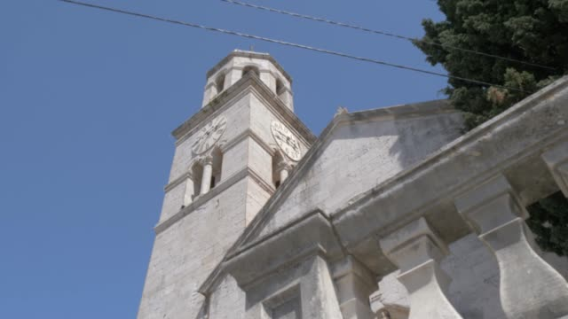 vidéos et rushes de crkva sv. nikole catholic church bell tower, cavtat, dubrovnik riviera, croatia, europe - style néoclassique