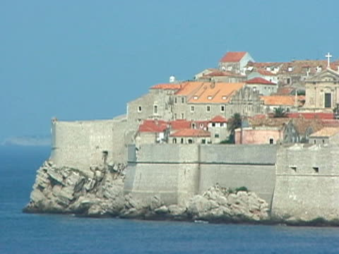 croatia: dubrovnik walled city peninsula from boat - peninsula stock videos & royalty-free footage
