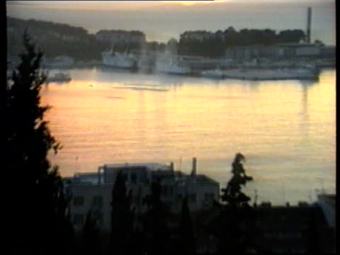stockvideo's en b-roll-footage met split david chater wounded sunset 