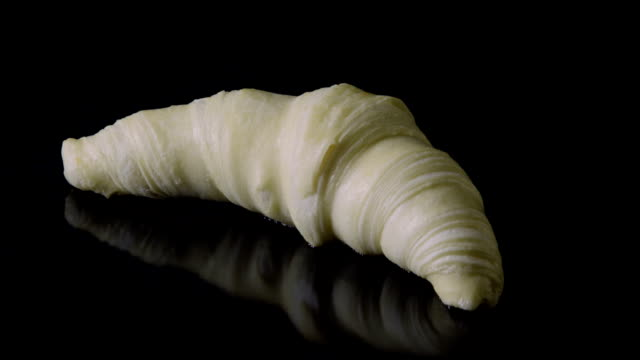 croissant pastry baking in oven - time lapse #001 - dough stock videos & royalty-free footage