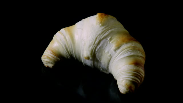 Croissant Pastry baking in oven - Time Lapse #003