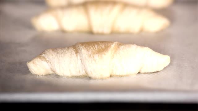 Croissants timelapse