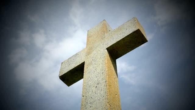 Cross against sky (Time Lapse)