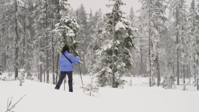 Cross-country skiing in Bohemia, Teenage girl