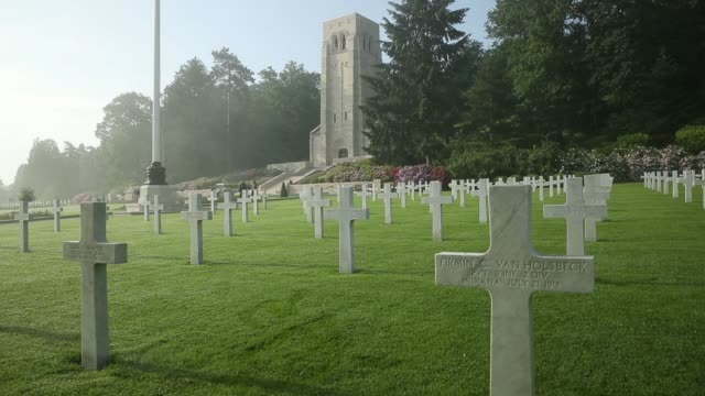 crosses mark the graves of us soldiers most of them killed in the battle of belleau wood at the aisnemarne american cemetery on may 25 2018 near... - denkmal stock-videos und b-roll-filmmaterial