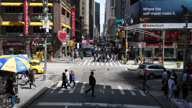crossing broadway / 50th in new york - digital signage stock videos and b-roll footage