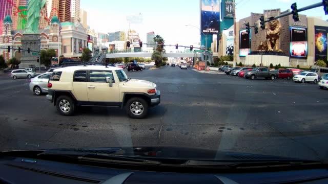 crossing traffic in las vegas - las vegas crosses stock-videos und b-roll-filmmaterial