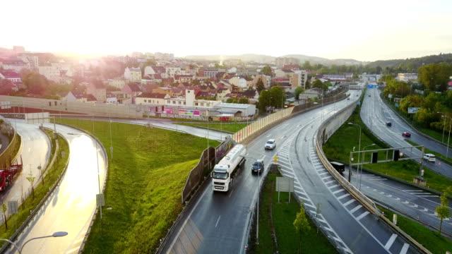 vidéos et rushes de croisement  - plan en travelling