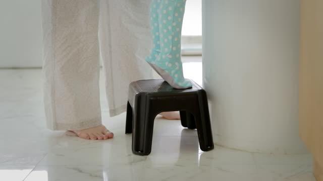 croton on hudson, new york, usa - お手洗い点の映像素材/bロール