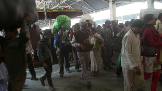 Crowd arriving in Kolkata Howrah Train Station