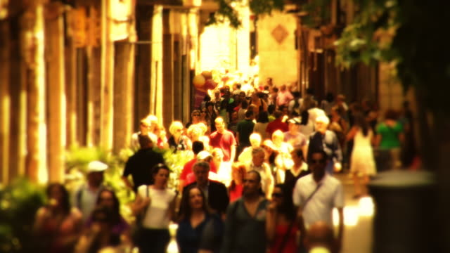 crowd calle argenteria rt - gothic stock videos & royalty-free footage
