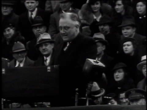 stockvideo's en b-roll-footage met crowd cheering / fdr speaking - 1935