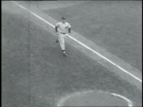 crowd cheering / mickey mantle running across home plate - ebbets field video stock e b–roll