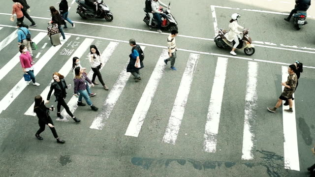 crowd crossing street at taiwan - pedestrian stock videos & royalty-free footage