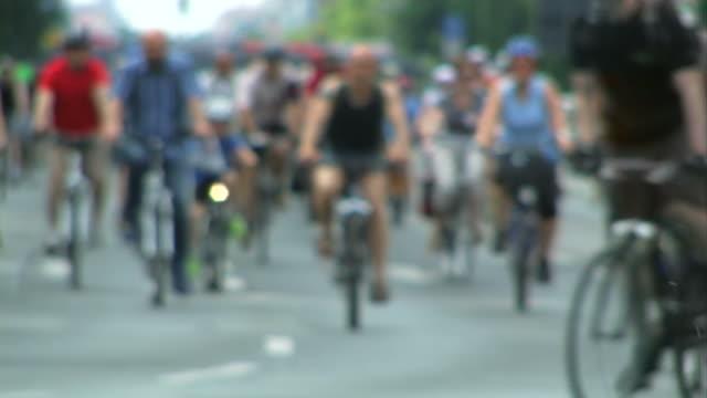 Crowd - cycling
