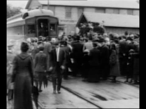 ws crowd gathered at back of train car in pennsylvania / former us president william howard taft speaks from rear platform of train car / from... - eisenbahnwaggon stock-videos und b-roll-filmmaterial