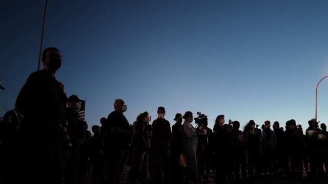 crowd gathers at the american veterans memorial pier for a 9/11 community vigil on september 11, 2020 in bay ridge, brooklyn, new york city. 2020's... - memorial stock videos & royalty-free footage