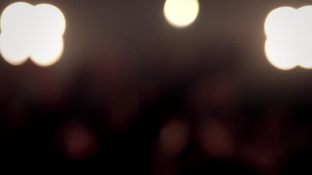 vídeos de stock, filmes e b-roll de multidão em boate - sc47