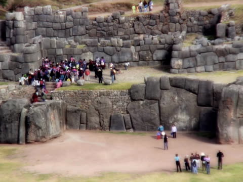 crowd of people at sacsayhuaman ruin, cusco, peru - machu picchu stock videos and b-roll footage
