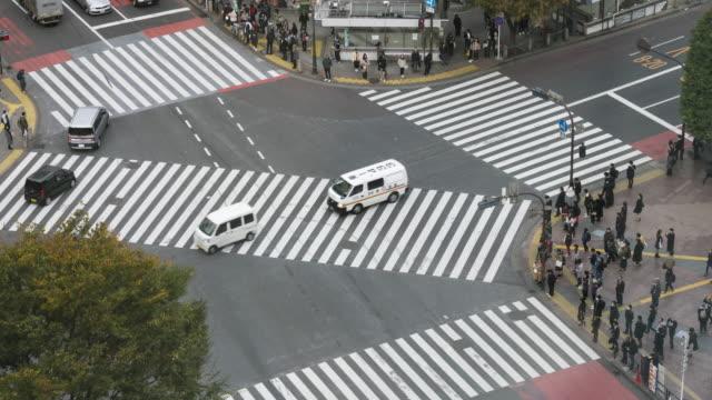 vídeos y material grabado en eventos de stock de multitud de cruce de shibuya cruce de personas - calle principal calle