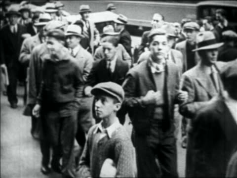 crowd of people on city sidewalk looking to side - 1931 stock videos & royalty-free footage