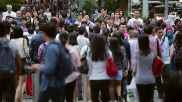 WS Crowd of people shopping on Orchard road