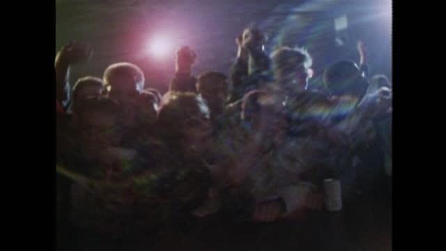 vídeos de stock e filmes b-roll de crowd of teenagers enjoying rap concert; 1989 - cultura hip hop