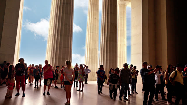 crowd of tourist at lincoln memorial - lincoln memorial stock videos & royalty-free footage