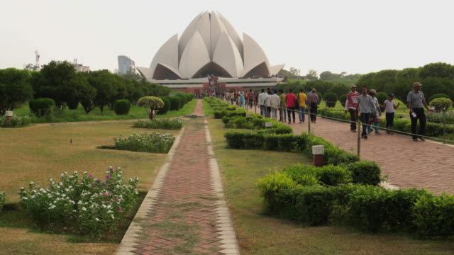 crowd of visitors at the lotus temple, new delhi - history stock videos & royalty-free footage