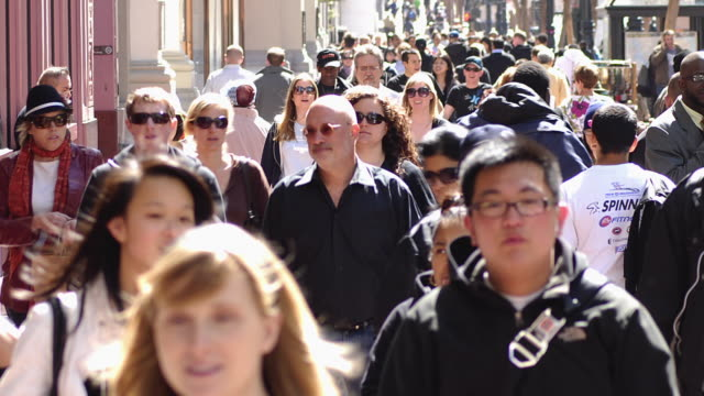 t/l ms crowd on market street / san francisco, california, usa - san francisco stock-videos und b-roll-filmmaterial