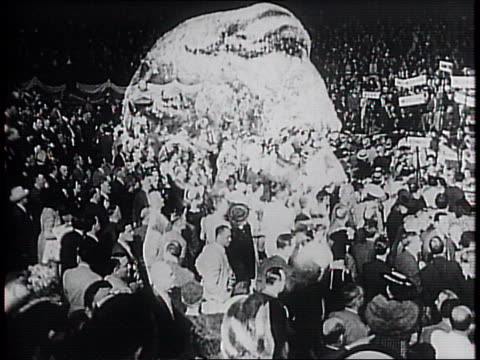 vídeos y material grabado en eventos de stock de crowd reaction to nomination / supporters cheer and celebrate franklin delano roosevelt's nomination for a third presidential term reelection /... - 1940