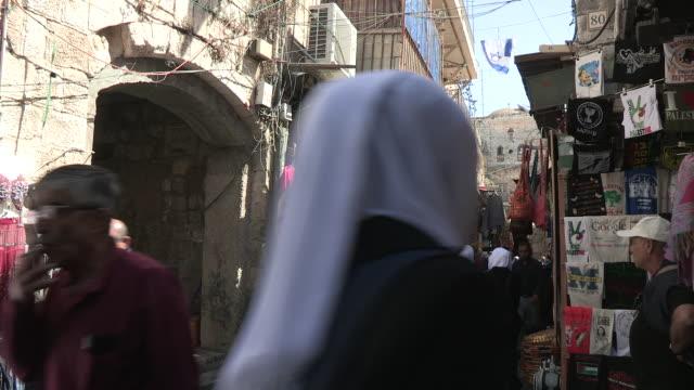 crowd to flag, jerusalem, israel - イスラエル点の映像素材/bロール