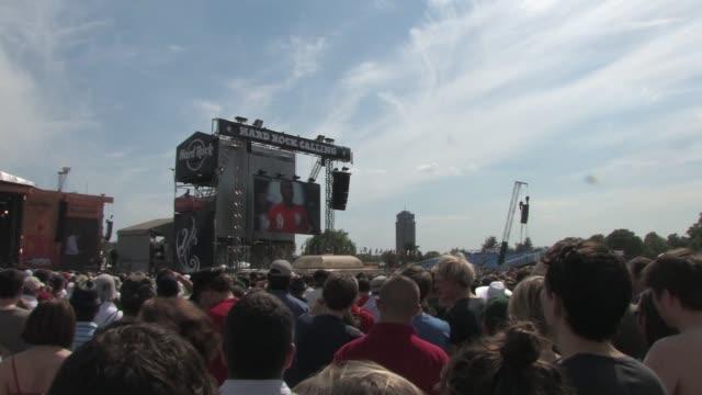crowd watching england match at the hard rock calling at london england. - お祭り好き点の映像素材/bロール